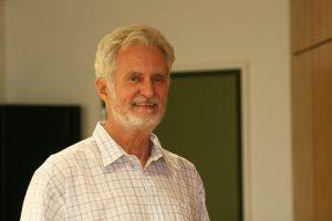 Hermann Päuser, Vorsitzender des Ausschusses für Kinder, Jugend und Familien, hat sich dafür eingesetzt, dass die Schülerinnen und Schüler der Grundschule an der Hordeler Heide mehr Platz haben.