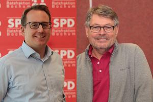 Burkart Jentsch (l.) und Hans Peter Herzog freuen sich über den Umbau des Lohrheide-Stadions.