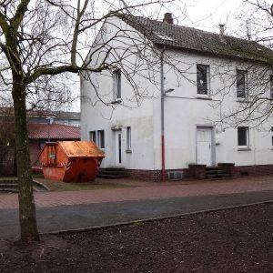 Die SPD wünscht sich an Stelle des alten Hausmeisterhäuschens eine Kombination aus Kita und Bürgerhaus.