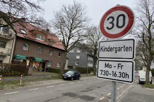 An der Karl-Friedrich-Straße zeigen sich die Schwachstellen der aktuellen Regelung.