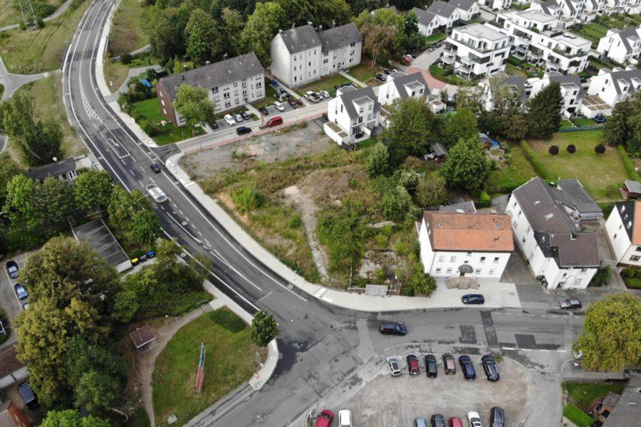 Thilo Elsner setzt sich für einen sicheren Übergang an der Kreuzung An der Holtbrügge/Karl-Friedrich-Straße ein.