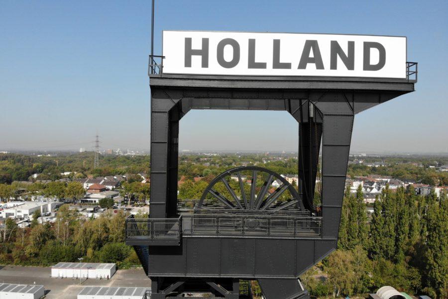 Das Hollahnd-Schild soll künftig mit Strahlern beleuchtet werden.