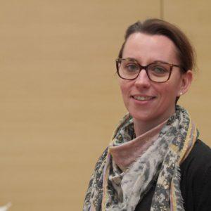 Deborah Steffens empfiehlt beim Kleiderkauf mehr Nachhaltigkeit.